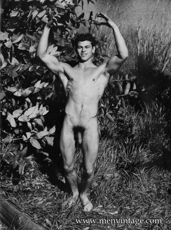 hot muscle men nudists