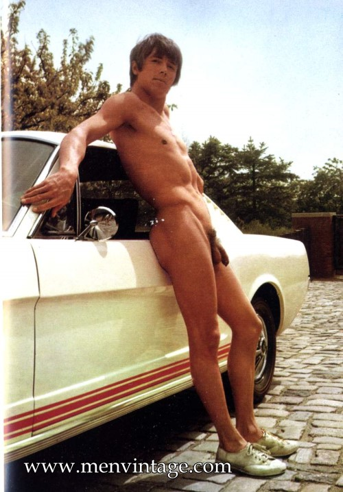 Sexy muscle boy naked vintage male erotica